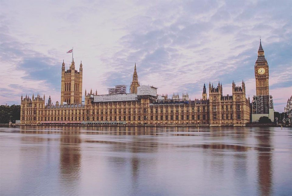 Работа для девушек в Лондоне и Англии эскорт