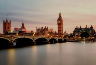 Работа для девушек в Лондоне и Англии